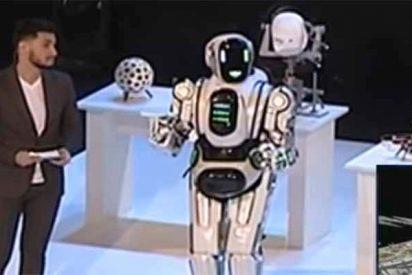 El robot ruso de 'alta tecnología' que podía hablar y bailar es en realidad un tipo disfrazado