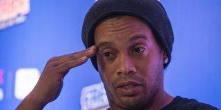 Ronaldinho seguirá obligado a permanecer en Brasil