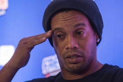 Ronaldinho contrata un doble para eludir a la prensa y no hablar de sus problemas fiscales