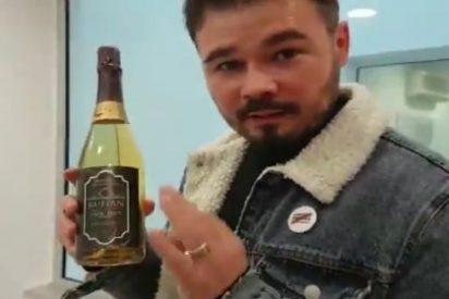 El mal trago del refinado Rufián a cuenta de la empresa 'Pig Demont' por tener muy mal vino