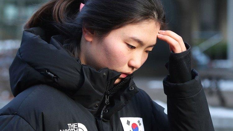 """Una exitosa atleta coreana cuenta el acoso de su entrenador: """"Pensé que podría morir"""""""