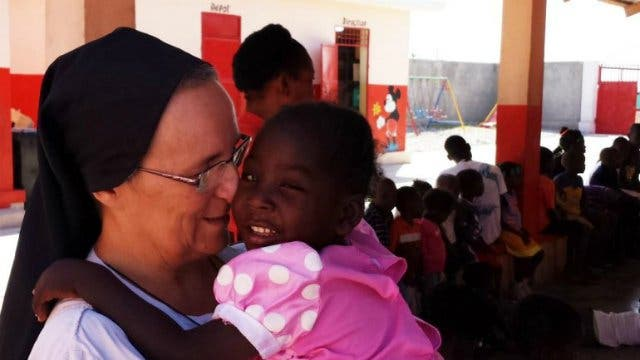 "Sor Marcella Catozza: ""Haití va hacia el abismo"""