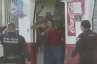 La policía acribilla sin piedad al atracador que había tomado a una mujer como rehén