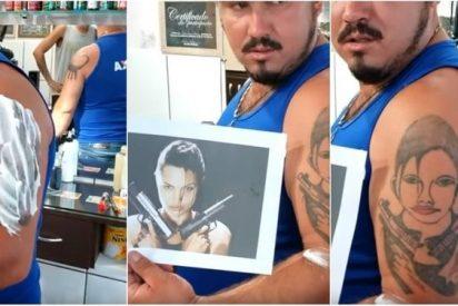 Se tatua fallidamente el rostro de Angelina Jolie