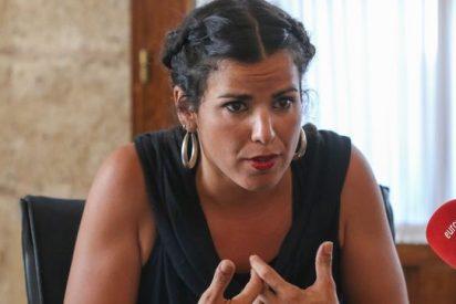 """Teresa Rodríguez suma descalificativos al mismo tiempo que pierde votos: ahora llama """"cobardes"""" y """"matones de colegio"""" a los de VOX"""