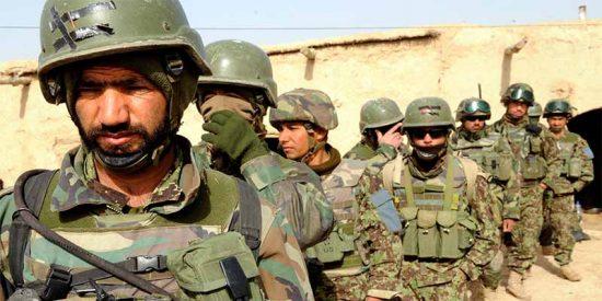 Medio centenar de muertos en Kabul en el ataque talibán a un edificio del Gobierno