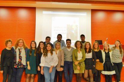 Alumnos y profesionales reivindican el papel del Educador Social