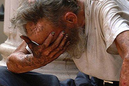 Donde las dan, las toman: El hombre que arrojó un kebab a la cara de un vagabundo recibe su merecido