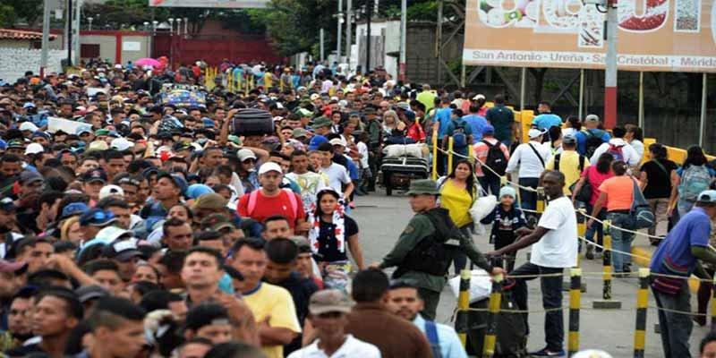 Estiman que la dictadura chavista generará 8.2 millones de migrantes venezolanos en tres años