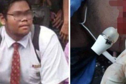 Este adolescente muere electrocutado mientras usaba los auriculares de su móvil cuando se cargaba