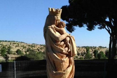 El PSOE monta un Cristo y pide que se arranque la talla de la Virgen del Abrazo del antiguo Parque Felipe VI