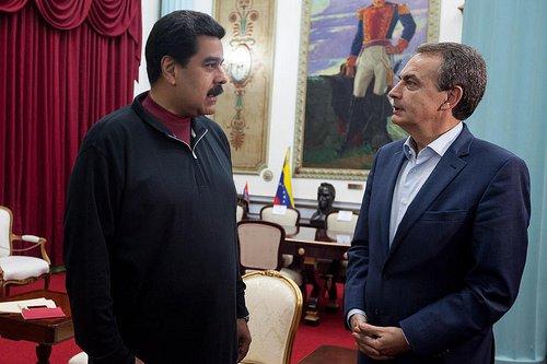 Zapatero aterriza en Caracas en pleno quilombo con las mentiras de Ábalos en el 'Delcygate'