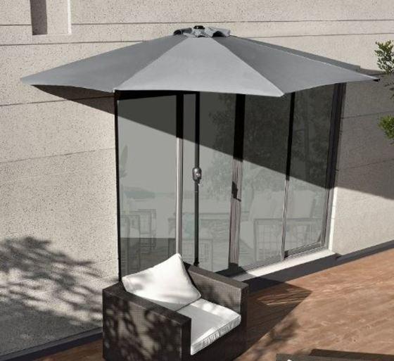 Sombrilla de media pantalla con manivela color arena