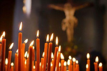 Barómetro del CIS: El porcentaje de católicos desciende en España