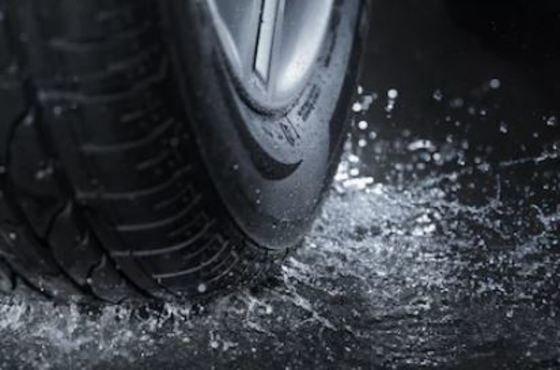 neumático lluvia