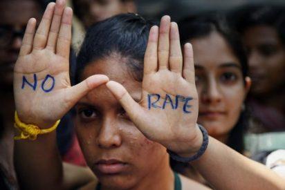 Por resistirse a ser violadas en la India le afeitan la cabeza a una madre y su hija