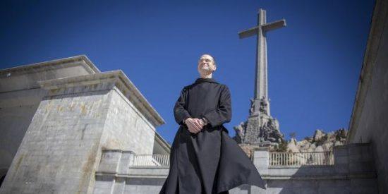 Sánchez planea retirar a los benedictinos la concesión de la basílica del Valle