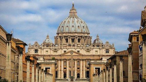 La Iglesia busca fieles en África y Asia para mitigar la hemorragia que sufre en Occidente