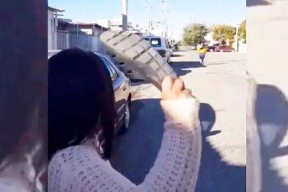 El chancletazo 'a larga distancia' de una madre que se hizo viral