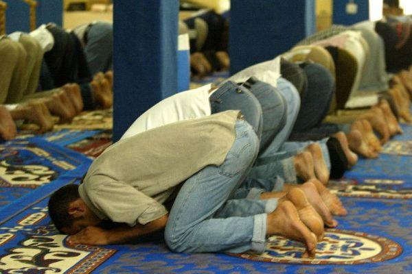 España deporta a un imán marroquí de El Ejido que radicalizaba a fieles