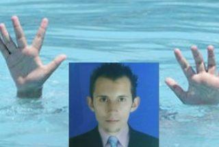 Obligan a un desventurado a lanzarse al mar y lo graban mientras se ahoga
