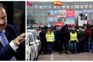 ¡Ábalos, qué calamidad eres! Primero descarrilas en Extremadura y ahora atropellas con falsas promesas al taxi