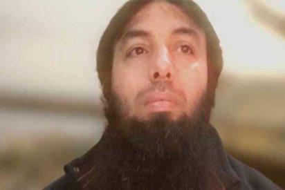 """El momento en el que el comandante del ISIS herido es abandonado a su suerte por sus fanáticos en desbandada: """"¡Hermanos!¡Hermanos!"""""""