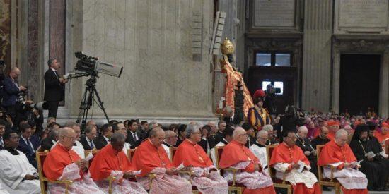 ¿Nuevo consistorio a la vista? Diez cardenales dejarán de ser electores en 2019