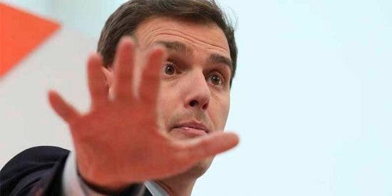 El Mundo sale al rescate de Ciudadanos tras el esperpento andaluz, el chasco de Valls y los elogios lacayunos a Soros