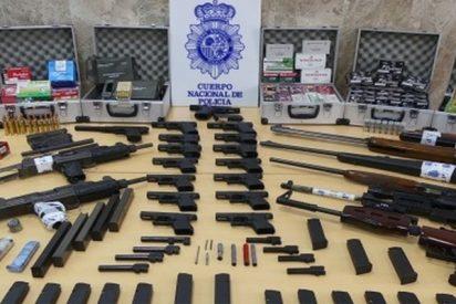 Detienen a un agente inmobiliario y su suegra de 73 años por liderar una red de tráfico de armas de Sevilla