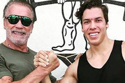 Este hijo de Arnold Schwarzenegger publica una foto copiando la famosa postura de su padre
