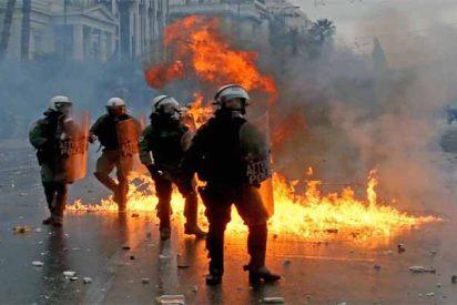 12 heridos en una violenta manifestación en Atenas contra el cambio de nombre de Macedonia