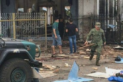 Mueren 20 personas en un doble atentado en una iglesia en Filipinas