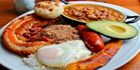 ¡2.000 calorías en un solo plato!: Mira las 5 comidas que consiguen tal hazaña