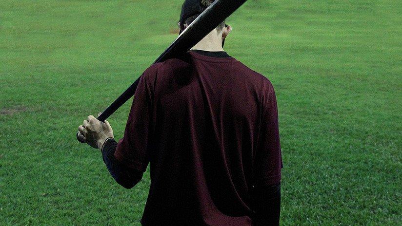 México: Violan con un bate de béisbol a una mujer por organizar una fiesta en su casa