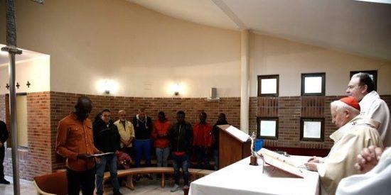 Un inmigrante africano llegado a Valencia recibe el Bautismo de manos del cardenal Cañizares