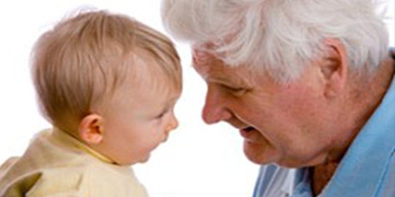¿Sabías que nacer con un padre viejo es más peligroso que nacer con una madre vieja?