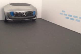 """Hyundai Mobis presenta el coche autónomo """"iluminador"""" diseñado por y para la seguridad de los peatones"""