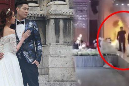 No detienen esta boda en China a pesar de un incendio