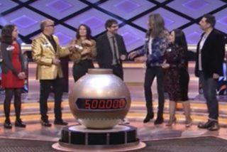 Le llueven las críticas a José Corbacho y Silvia Abril por lo que todo el mundo ha visto en el especial navideño de 'Boom'