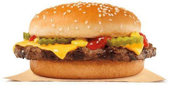 "Demanda a Burger King para que ""cumpla su promesa"" de darle de comer gratis de por vida"