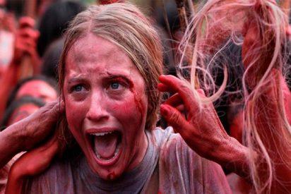 El polémico vídeo de un hombre preparando morcilla con sangre humana ¿Canibalismo o receta vegana?