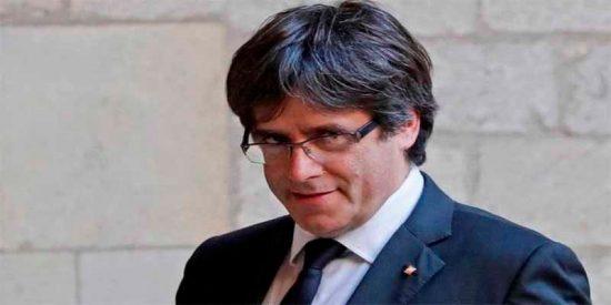 Puigdemont lleva siempre chaleco antibalas y tiene un 'probador' de comidas por miedo a que lo envenenen