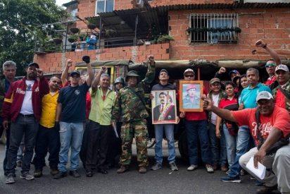 """La guerrilla chavistas promete defender a Nicolás Maduro con el """"fusil en la mano"""""""