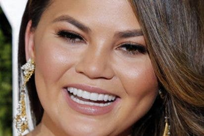 Esta presentadora se convierte en meme por un beso fallido durante Nochevieja en Times Square