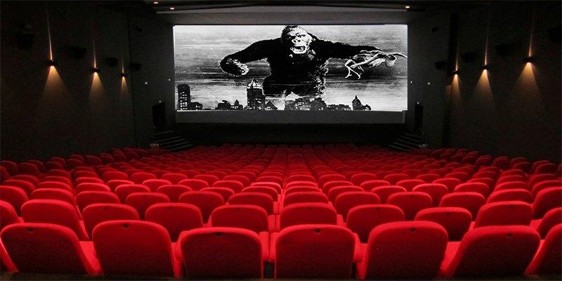 Los 10 secretos de las salas de cine que conocen sus empleados, pero no el público