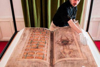 """La increible historia del Codex Gigas, el libro maldito """"escrito por el diablo"""""""