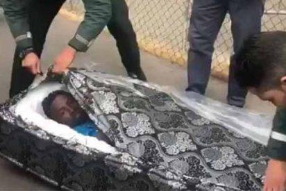La Guardia Civil descubre inmigrantes sin papeles cruzando la frontera de Melilla dentro de colchones