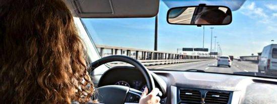 ¿Sabes cómo abrir 'a la holandesa' la puerta de tu coche?