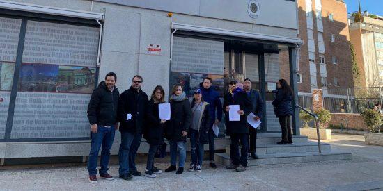 Venezolanos dan una oportunidad al chavismo en Madrid: entregan la Ley de Amnistía de Guaidó